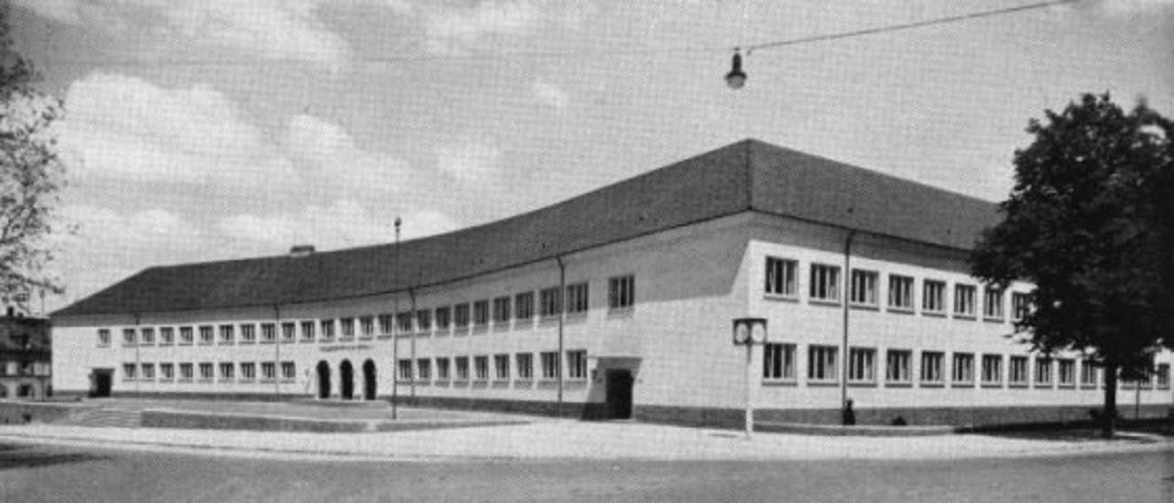 Das JKG-Hauptgebäude im Jahr 1951