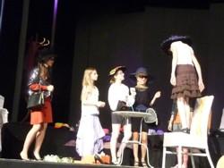 Tumult um einen Hut (3)