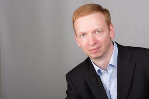 Dr. Matthias Ebert